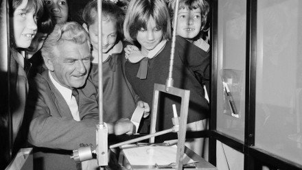 Prime Minister Bob Hawke at Questacon in Canberra, 1987